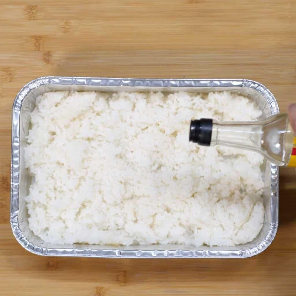 rice wine vinegar in sushi rice