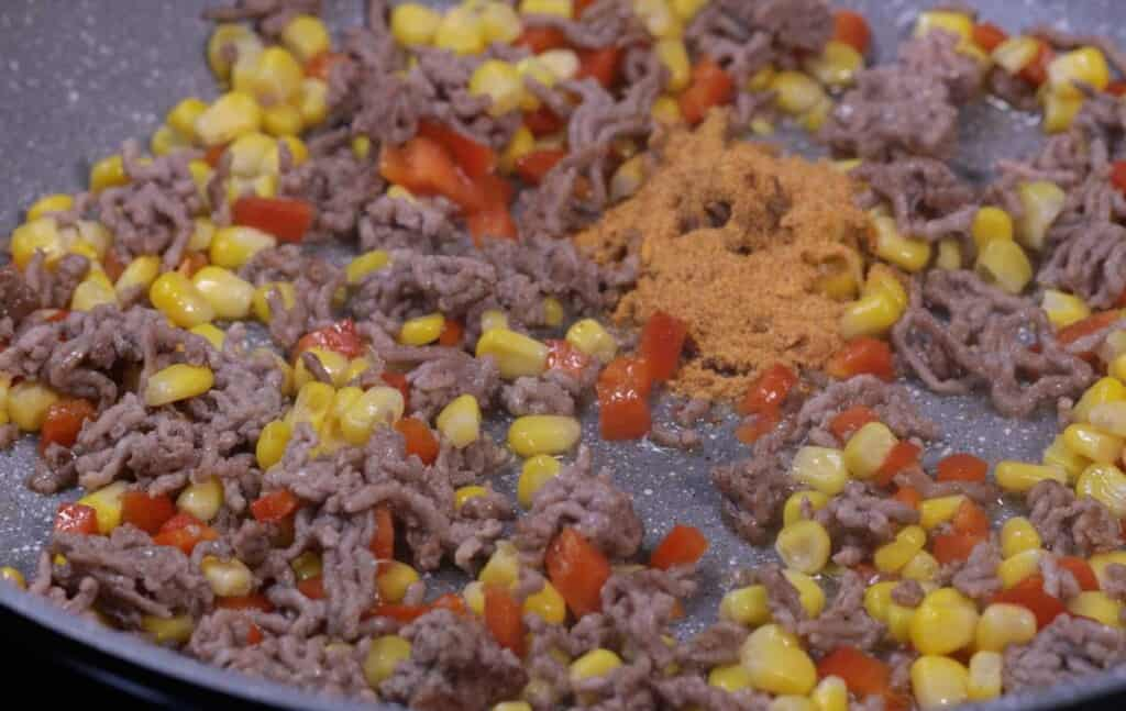 Beef, corn, capsicum and taco seasoning