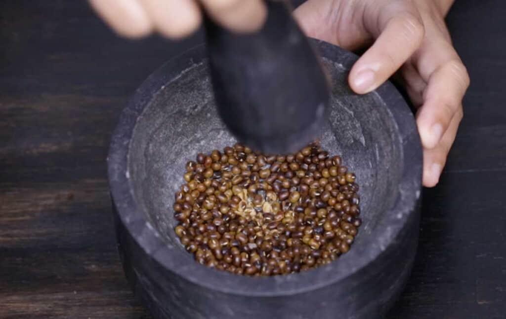 crack mung beans