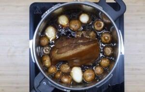 add eggs, mushrooms and chorizo